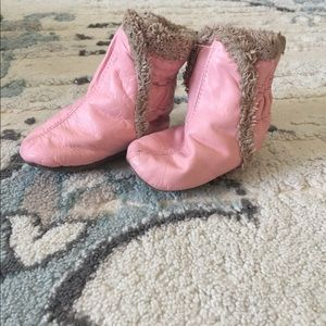 Robeez classic cozy baby boots